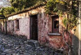 TRADIÇÃO À SOMBRA – Colônia do Sacramento-Uruguay
