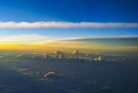 LUZ SOBRE NUVENS – Algum lugar sobre as nuvens… – Brasil