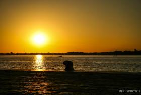 NAVEGANDO EM FRENTE AO CAIS – Porto Alegre-Rio Grande do Sul-Brasil