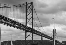 PONTE CRUZANTE – Lisboa-Portugal