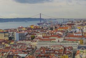 TEJO, PONTE E TELHADOS – Lisboa-Portugal
